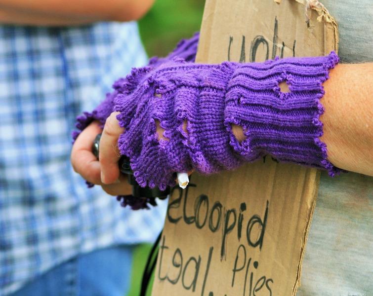 hand-person-purple-sadness-pattern-finger-1106142-pxhere-com