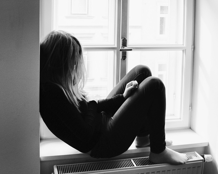 person-black-and-white-girl-white-photography-alone-1274362-pxhere-com