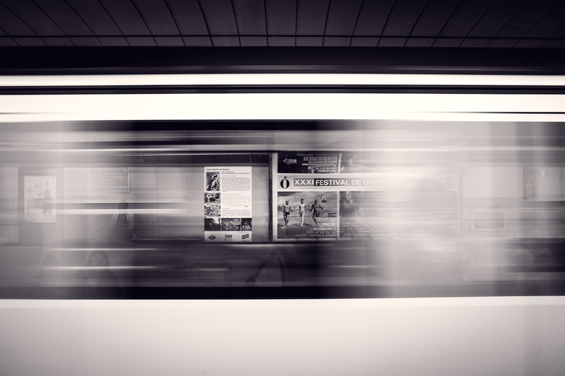light-black-and-white-white-subway-metro-motion-99089-pxhere-com