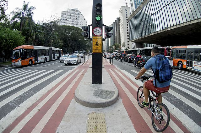 640px-ciclovia_da_av-_paulista_02