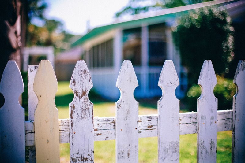 water-fence-neighborhood-green-color-fencing-965238-pxhere-com