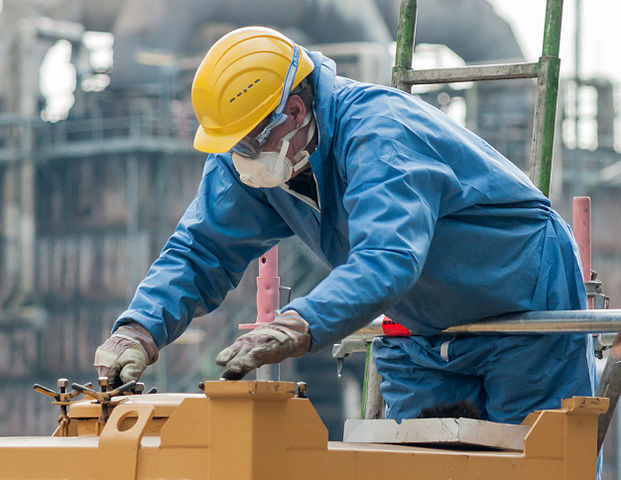 621px-cologne_germany_industrial-work-with-personal-protective-equipment-02