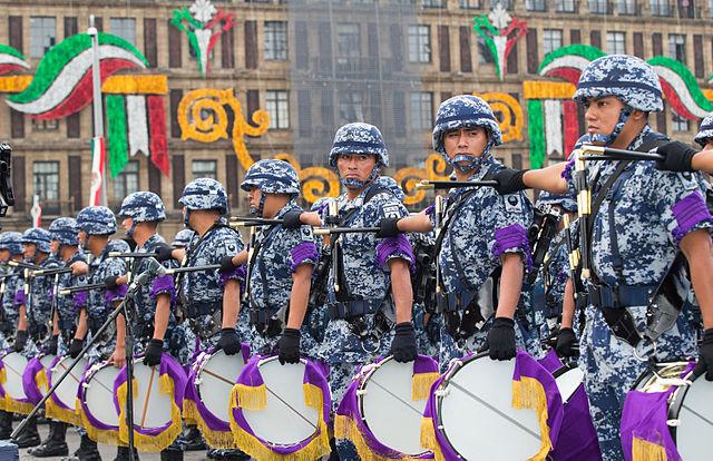 640px-desfile_militar_conmemorativo_del_ccv_aniversario_del_inicio_de_la_independencia_de_mexico-_21448664296